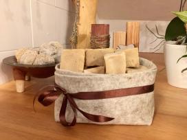 Il cesto di una confezione alimentare è diventato il nuovo porta-sapone