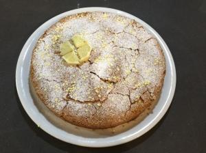 Torta caprese al cioccolato bianco e limone