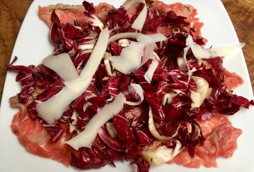 Carpaccio marinato con radicchio