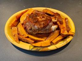 Stinco di maiale in salsa barbecue