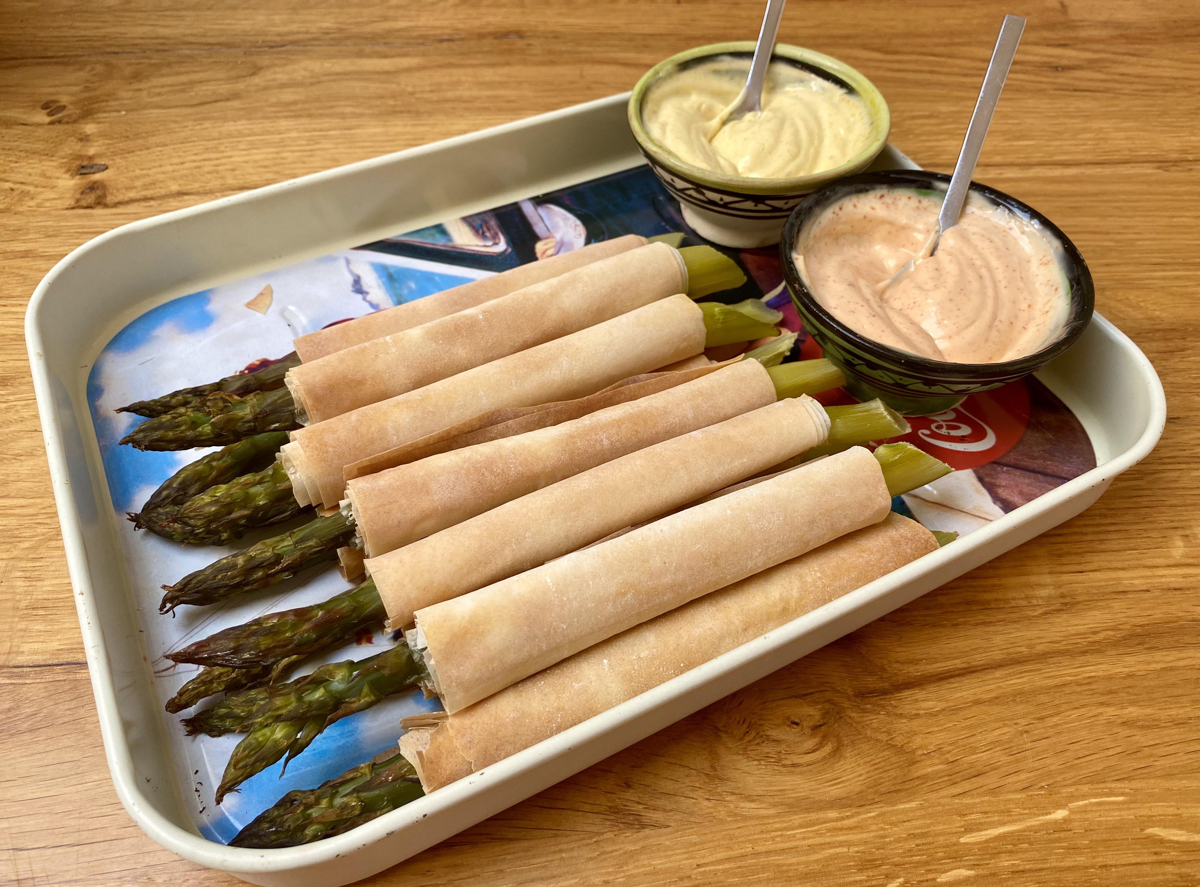 Rotolini di asparagi