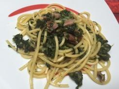 Pasta con spinaci e prosciutto